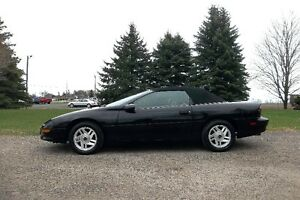 1995 Chevrolet Camaro Z28- CONVERTIBLE.  Automatic & Just 138K!!