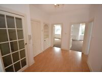 Bright sunny top corner flat in Callander