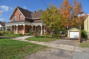 PRISTINE & BEAUTIFULLY RENOVATED VICTORIAN HOME ID#1081343