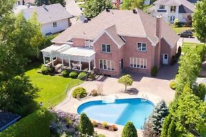 Luxurious Home on Golf Course in Montreal - Bargain