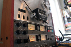 TEAC A3340S Reel to Reel Four Track Symul-Sync Stereo Tape Deck