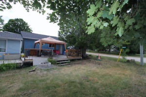 BALSAM LAKE COTTAGE CUTE AS A BUTTON FOR RENT!!!!