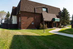 Great 2 Bdrm River Heights South Condo.. WITH A POOL!