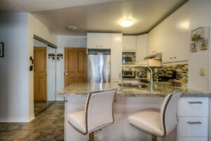 BEAUTIFUL RENOVATED 2 BED 2 BATH CONDO IN DOWNTOWN GALT!
