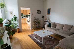 Room for one Month at cozy apartment at the Plateau