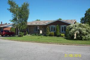 Maison avec bureau d'affaires Matane/House with Business Office