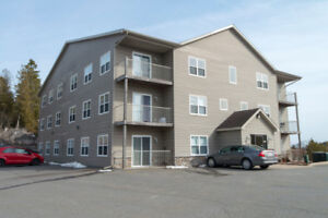 Maintenance Free Living, Close to UNB and Hospital