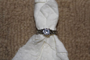 Ladies Size 6 Engagement Ring In New Condition