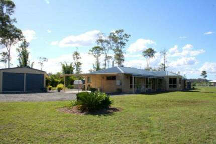 ESCAPE TO THE COUNTRY LARGE 5 BEDROOM HOME ON ACREAGE FOR SALE Maryborough Fraser Coast Preview