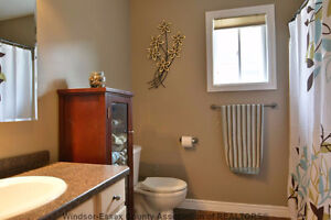 Beautiful detached home for rent in South Windsor Windsor Region Ontario image 7