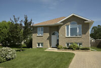 ***116 GREENPARK CRESCENT *** OPEN HOUSE: SUNDAY 1-3PM***