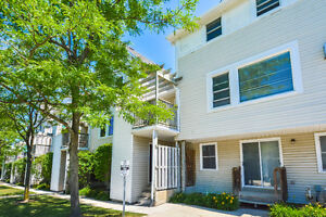 Awesome town home in Beechwood!