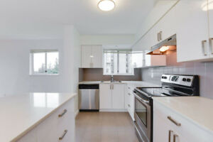 Large 3 Bedroom with Spectacular View at White House Apartments
