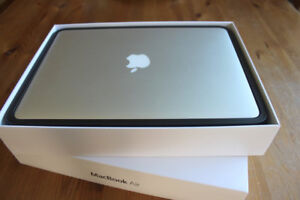 MACBOOK AIR 13'' i5 1.6 GHZ ,8GB, 128GB + Office Pro2016 & more