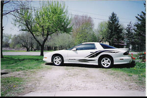 1996 Pontiac Trans Am Coupe (2 door)