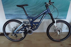 excellent condition specialized Demo 7