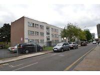 4 bedroom flat in Christian St, Aldgate, E1