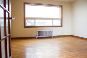 $975 - Bright 2 Bedroom in South End