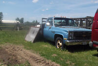 1985 CHEV 1 TON 454 DULLY FLATBED
