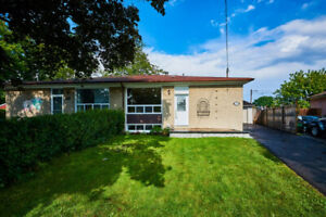 Location!!! Best deal In Whitby!!! Open House Sunday 2-3pm