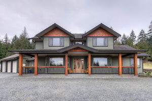 Executive Country Home Set on 2.5 Acres in Nanaimo