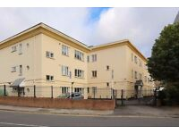 MODERN 1 Bed Flat with Parking Space in gated development, Ealing