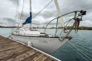 C&C 25 Sailboat / Voilier
