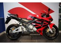 2004 04 HONDA CBR600RR RED, ONLY 5,000 MILES FROM NEW! HPI CLEAR!