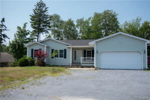 Lovely bungalow in the heart of Quispamsis!