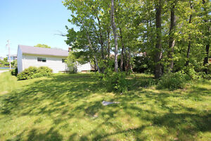 NEW PRICE! OPPORTUNITY IS KNOCKING With This Fixer Upper