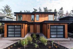 A collection of 3 architecturally-designed westcoast ocean