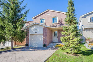 Beautiful Detached House For Sale! Yonge/16th, Richmond Hill