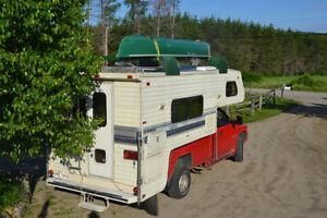 Campeur fleetwood Caribou 11 avec dodge ram 2500 diesel 4X4 2000