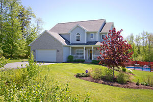 50 Ingram Dr - Gorgeous 2-Storey in Fall River! 4 Bedrooms Up!