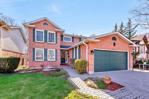Attention McMaster Professionals! 4 Bedroom Dundas Home For Sale