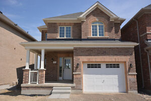 $1800 - Welcome to 44 Strachan Trail, Beeton - 3BR