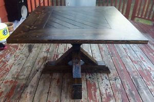 BEAUTIFUL SOLID WOOD RUSTIC SQUARE KITCHEN TABLE