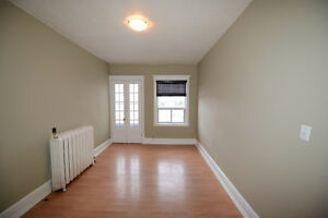 Very nice freshly painted downtown 2-bed apt with balcony $797