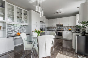 Cambridge close to Hwy.401 - OPEN HOUSE: Sat/Sun 2:00PM-4:00PM