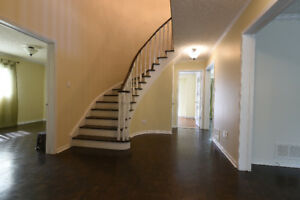4 Beds and 5 Baths House for rent 16th Ave & McCowan Rd
