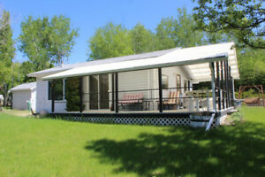 1 Bdrm Cottage at Lake of the Prairies near Roblin, MB!