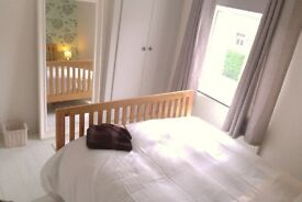 Lovely clean double room for single occupancy at top of town in Haywards Heath