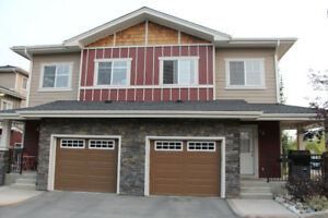 Beautiful 3 bed/2.5 bath townhouse in upscale West Springs SW
