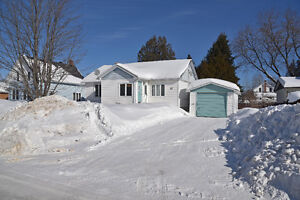 CLEAN COZY BUNGALOW READY FOR NEW HOME OWNER ID#1043237