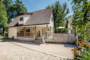 Lake Simcoe Retreat Filled with Character - 2547 Leonard St.