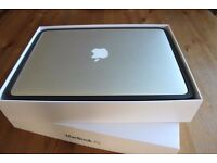 "Macbook AIR 2015 13"" - i5 - 8GB - 128GB . Office 2016 , photoshop"