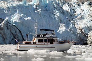 38' Tri-cabin Marine Trader