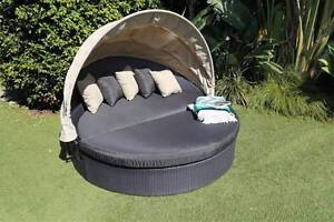 Caribou Outdoor Living Oval Day Bed with Canopy-RRP $1499 Taren Point Sutherland Area Preview