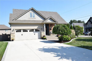 Pristine Bungaloft for sale in prime location!