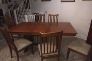 Oak dining room set.  Downsizing and won't fit in new place.  As